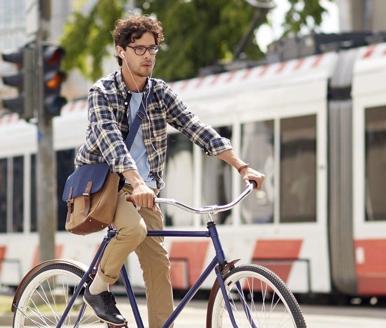 Circular en bicicleta por Valencia. ¿Cómo coger buenos hábitos?